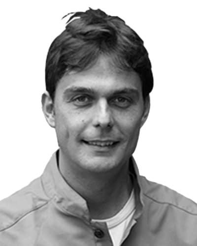 Dr Pablo Lobato